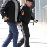 Elton John vai a reunião de Alcoólicos Anônimos de Los Angeles