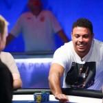 Ronaldo fatura R$ 100 mil em evento de pôquer