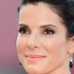 Sandra Bullock é eleita a mulher mais bonita do mundo por revista