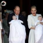 Príncipe Albert II e princesa Charlene de Mônaco batizam os gêmeos