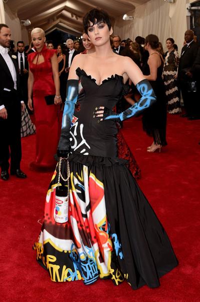 Katy Perry de Moschino