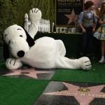 Snoopy ganha estrela na Calçada da Fama em Hollywood