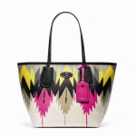 34481 Printed Crossgrain Taxi Tote Hawk Feather