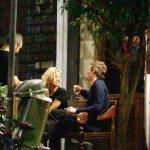 Kate Moss janta com o namorado em São Paulo