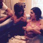 Bela Gil dá à luz dentro de uma banheira, em NY