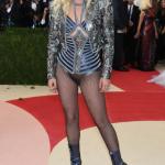 Lady Gaga de Atelier Versace