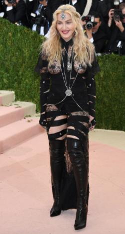 Madonna de Givenchy Haute Couture
