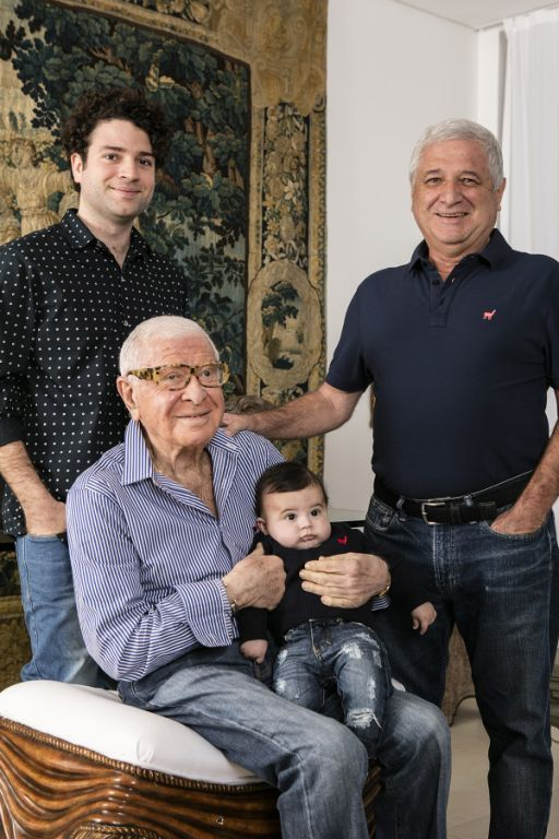 Ugo di Pace (avô), Raul di Pace (filho), Stephano (neto) e José Caetano