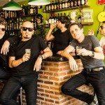 Paulo Miklos deixa o Titãs, e Beto Lee entra para a banda