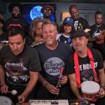 """Metallica toca """"Enter Sandman"""" com instrumentos de brinquedo"""