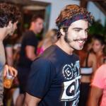 Caio Castro é expulso de festa em Trancoso