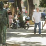 Nelson Rodrigues ganha estátua em Copacabana
