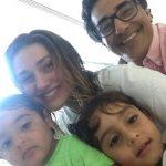 Luciano Szafir posta foto com os 3 filhos