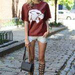 street-style-denim-shorts-t-shirt-gladiator