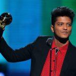 Bruno Mars será uma das atrações do Grammy 2017