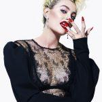 Paris Jackson faz seu debut em uma capa de revista de moda