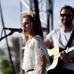 Filha de Alessandra Ambrosio se apresenta no Coachella