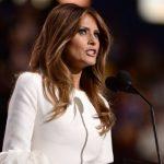 Jornal britânico pede desculpa e indeniza Melania Trump