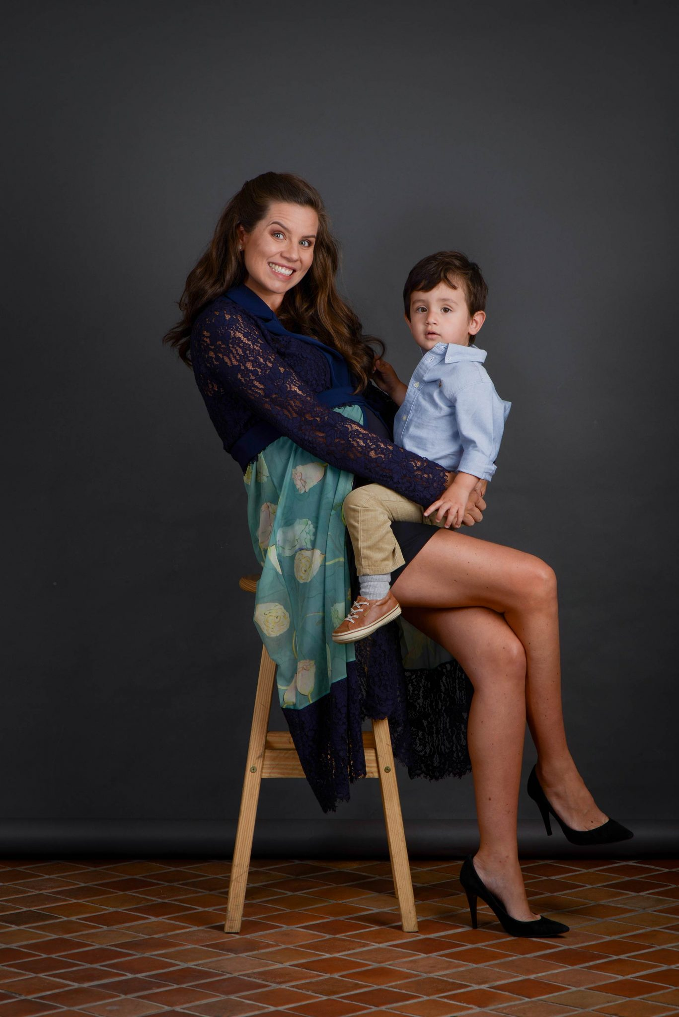 Vittoria Camargo com Joaquim e grávida de Catarina
