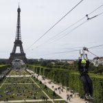 Tirolesa na Torre Eiffel