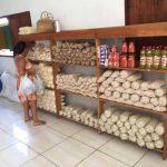 Inaugurado no Brasil primeiro supermercado que permite trocar lixo reciclável por comida