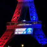 """Torre Eiffel dá """"boas vindas"""" a Neymar com show de luzes"""