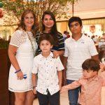 Flavia Kujawski e Fernanda Pinazo com filhos