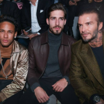 Neymar assiste desfile da Louis Vuitton, em Paris