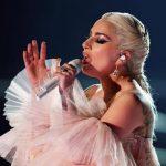 Com dores, Lady Gaga cancela shows na Europa