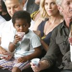 Charlize Theron pensa em deixar os EUA por causa do racismo