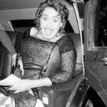 """Adele comemora 30 anos com festa temática de """"Titanic"""""""
