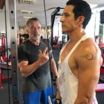 "Arnold Schwarzenegger treina ator que o substituirá em ""O Exterminador do Futuro"""