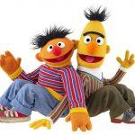 Roteirista diz que dupla da Vila Sésamo é um casal gay