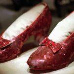 """FBI encontra sapatos de Dorothy, em """"Mágico de Oz"""", roubados há 13 anos"""