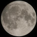 """China pretende lançar """"lua artificial"""" para iluminar cidade durante a noite"""