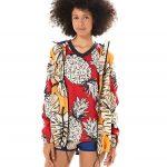 FARM + adidas - casaco windbreaker folhitas - R$329,99 - t-shirt - R$149,99