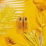 FARM e adidas Originals - tênis stan smith folhitas - R$399,99