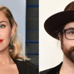"Miley Cyrus regrava ""Happy Xmas (War Is Over)"", de John Lennon, com Sean Lennon"