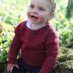 Família real divulga fotos do príncipe Louis na véspera de seu primeiro aniversário