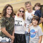 Fernanda, Gustavo Queiroz, Daniela Zurita, Leo e Luca Queiroz