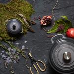Le Creuset lança cor para integrar mix de produtos da marca