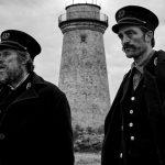 """Robert Pattinson está irreconhecível em primeira imagem do filme """"The Lighthouse"""""""