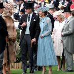 Mais uma vez, look de Kate Middleton esgota em horas