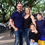 Rodrigo e Carla Rissato com Filhos