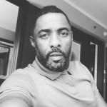 Idris Elba interrompe peça para ajudar espectadora tendo convulsão