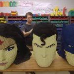 Heróis da DC ganham maior exposição de Lego do mundo e brasileiros poderão conferir