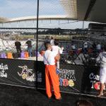 Aniversário no Arena Kids dá direito a futebol no campo da Arena Corinthians e visita do Mosqueteiro na hora dos parabéns