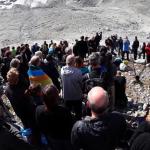 Suíços fazem funeral em montanha para geleira que derreteu