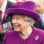 Rainha Elizabeth vai usar pele sintética em novas roupas