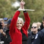 Jane Fonda promete que nunca mais irá comprar roupas. E está cumprindo